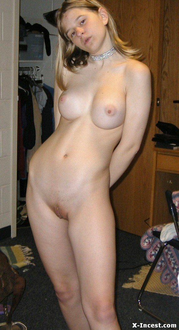 sister open pussy pictures
